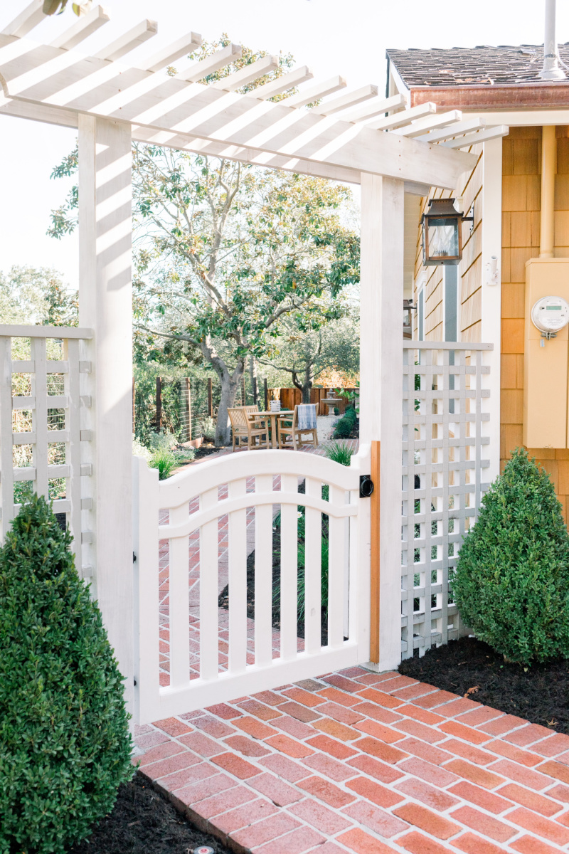 Lattice Arbor and Gate