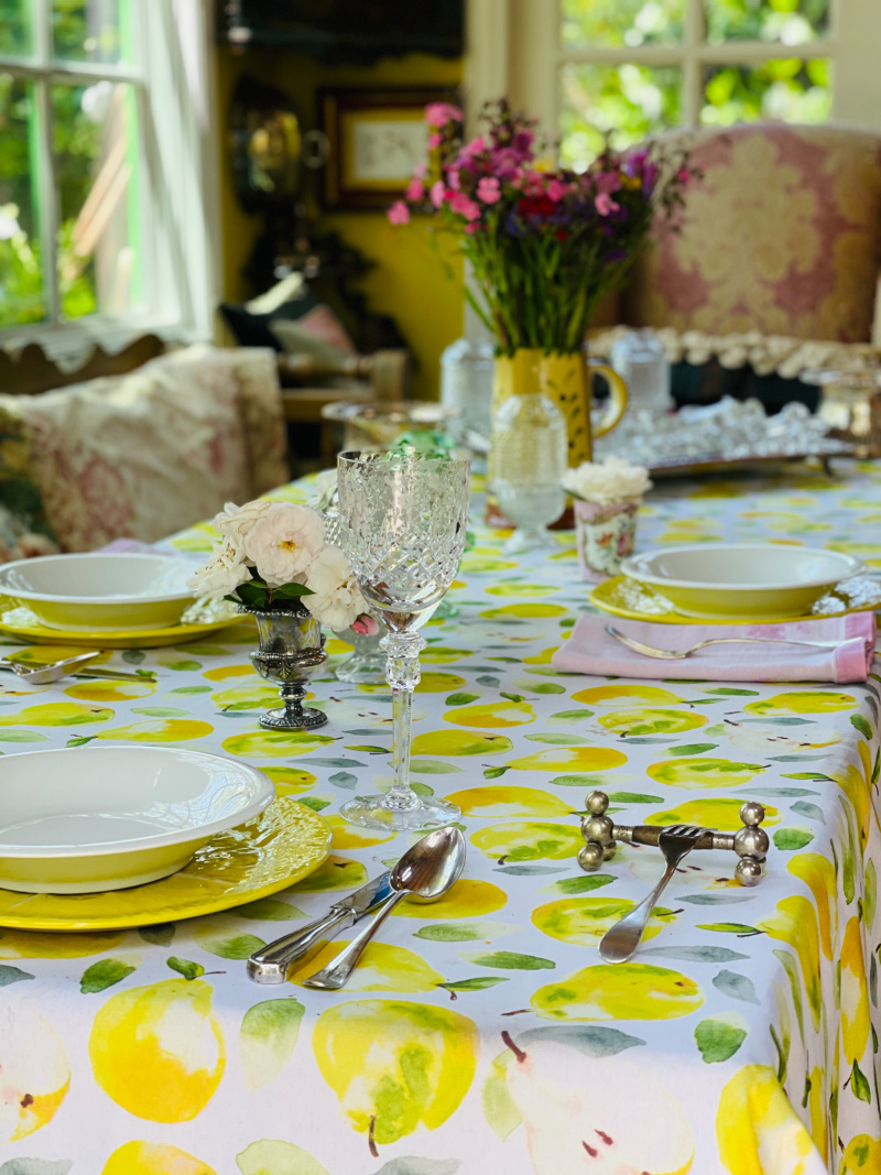 Luncheon table with pear table cloth
