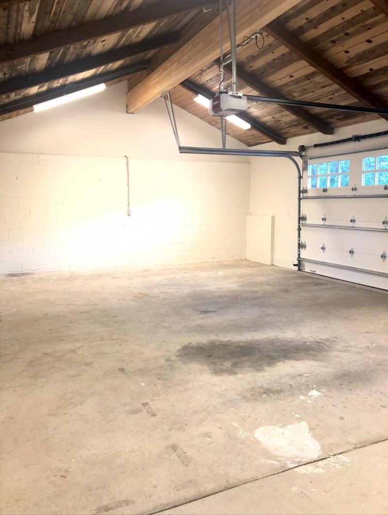 Dirty garage floor